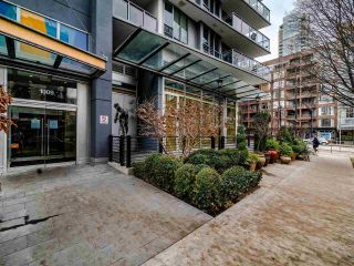Photo 2: 1501 1009 HARWOOD Street in Vancouver: West End VW Condo for sale (Vancouver West)  : MLS®# R2542060