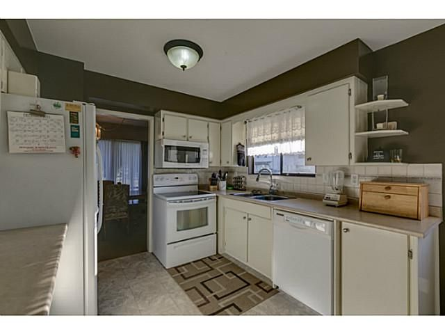 """Photo 7: Photos: 11977 189B Street in Pitt Meadows: Central Meadows House for sale in """"HIGHGATE"""" : MLS®# V1038293"""