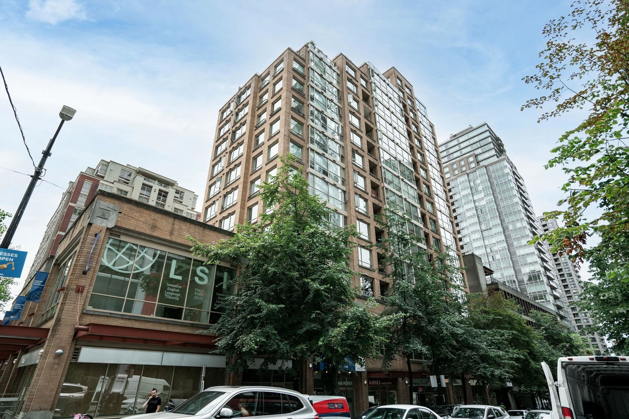 """Main Photo: 1207 822 HOMER Street in Vancouver: Downtown VW Condo for sale in """"The Galileo"""" (Vancouver West)  : MLS®# R2612307"""