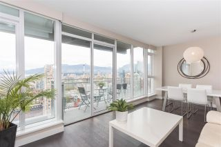 """Photo 2: 3802 1372 SEYMOUR Street in Vancouver: Downtown VW Condo for sale in """"The Mark - Yaletown"""" (Vancouver West)  : MLS®# R2189623"""