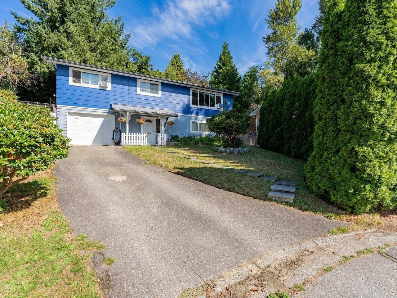 Main Photo: 8260 VIOLA Place in Mission: Mission BC House for sale : MLS®# R2615740