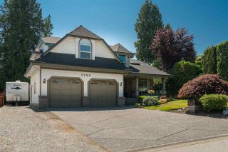 """Photo 3: 5785 190 Street in Surrey: Cloverdale BC House for sale in """"ROSEWOOD"""" (Cloverdale)  : MLS®# R2559609"""
