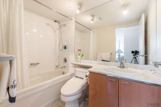 """Photo 12: 2604 1200 W GEORGIA Street in Vancouver: West End VW Condo for sale in """"RESIDENCES ON GEORGIA"""" (Vancouver West)  : MLS®# R2449777"""