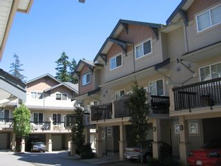 """Photo 2: 56 5839 PANORAMA Drive in Surrey: Sullivan Station Townhouse for sale in """"Forest Gate"""" : MLS®# F2720827"""