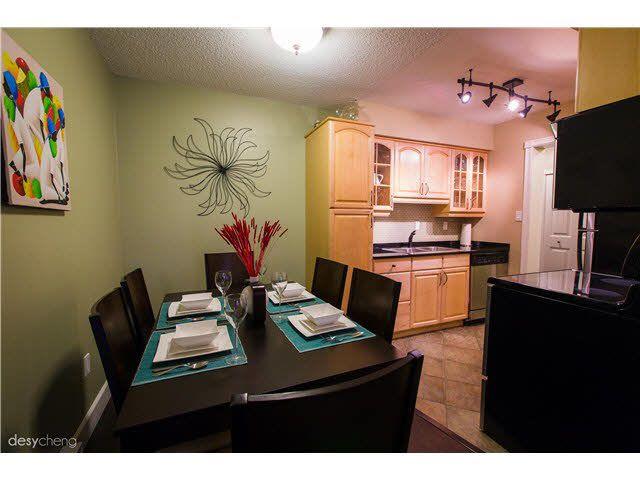 Main Photo: 105 6651 LYNAS LANE in : Riverdale RI Condo for sale : MLS®# V1108012