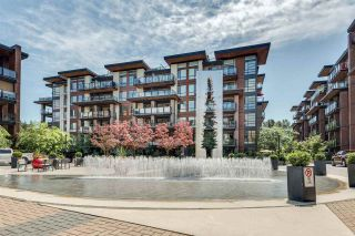 Photo 1: 112 719 W 3RD Street in North Vancouver: Harbourside Condo for sale : MLS®# R2420428