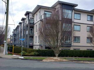 Photo 3: 310 2943 NELSON Place in Abbotsford: Central Abbotsford Condo for sale : MLS®# R2430141