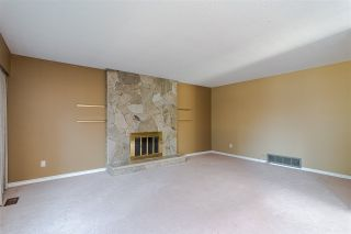 """Photo 3: 10520 SUNVIEW Place in Delta: Nordel House for sale in """"SUNBURY / DELSOM"""" (N. Delta)  : MLS®# R2442762"""