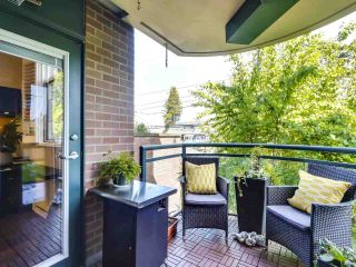 """Photo 20: 201 2665 W BROADWAY in Vancouver: Kitsilano Condo for sale in """"MAGUIRE BUILDING"""" (Vancouver West)  : MLS®# R2580256"""
