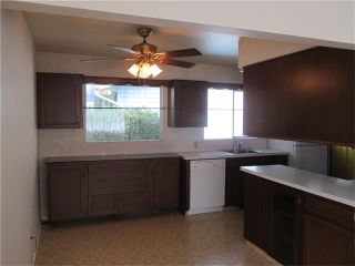 Photo 3: 76 HANOVER Road SW in Calgary: Haysboro House for sale : MLS®# C4031731