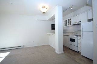 Photo 6: 109 5500 LYNAS LANE in Richmond: Riverdale RI Condo for sale : MLS®# R2045982