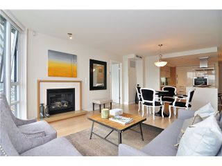 """Photo 3: 1603 8 SMITHE Mews in Vancouver: False Creek Condo for sale in """"Flagship"""" (Vancouver West)  : MLS®# V1064248"""