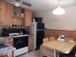 Photo 12: 400 WEST Street: Lakeshore Heights Residential for sale (R27)