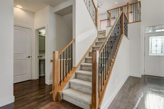 Photo 4: 2 WEST CEDAR Place SW in Calgary: West Springs Detached for sale : MLS®# C4286734