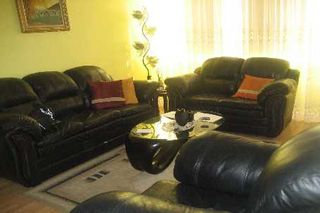 Photo 2: 05 3590 Kaneff Crest in Mississauga: Condo for sale (W15: MISSISSAUGA)  : MLS®# W1931585
