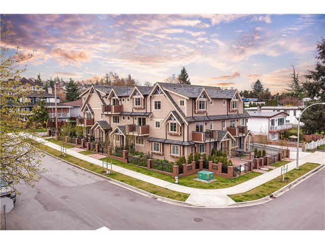 Main Photo: 206 3033 Esmond Avenue in Burnaby: Townhouse for sale : MLS®# V1113308