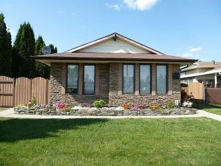 Photo 2: 18508 97A Avenue in Edmonton: Zone 20 House for sale : MLS®# E4255346