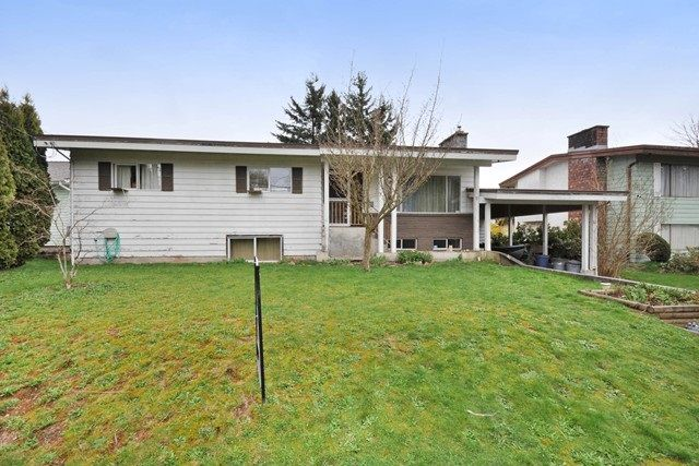 Main Photo: 2298 IMPERIAL Street in Abbotsford: Abbotsford West House for sale : MLS®# R2043924