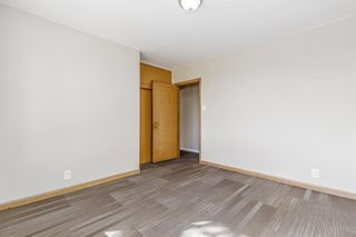 Photo 13: 5615 Thorndale Place NW in Calgary: Thorncliffe Detached for sale : MLS®# A1091089