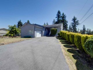 """Photo 31: 6345 ORACLE Road in Sechelt: Sechelt District House for sale in """"West Sechelt"""" (Sunshine Coast)  : MLS®# R2468248"""