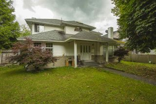 """Photo 1: 8494 140 Street in Surrey: Bear Creek Green Timbers House for sale in """"BROOKSIDE"""" : MLS®# R2473346"""