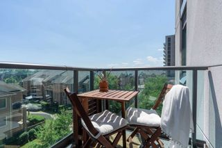 Photo 15: 409 35 Brian Peck Crescent in Toronto: Thorncliffe Park Condo for sale (Toronto C11)  : MLS®# C4839136