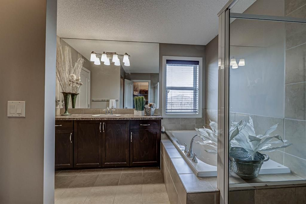 Photo 23: Photos: 200 EVERBROOK Drive SW in Calgary: Evergreen Detached for sale : MLS®# A1102109