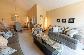 Photo 5: 15 Calder Bay in Winnipeg: Richmond West Residential for sale (1S)  : MLS®# 202108568
