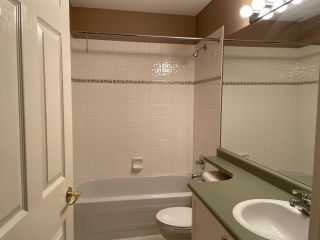 """Photo 15: 76 6488 168 Street in Surrey: Cloverdale BC Townhouse for sale in """"Turnberry"""" (Cloverdale)  : MLS®# R2610763"""