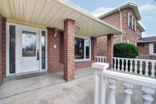 Photo 3: 35 Cobbler Crescent in Markham: Raymerville House (2-Storey) for sale : MLS®# N4469940