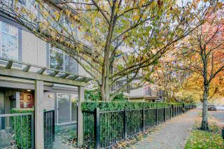 """Photo 1: 14 6300 ALDER Street in Richmond: McLennan North Townhouse for sale in """"The HAMPTONS by Cressey"""" : MLS®# R2217953"""