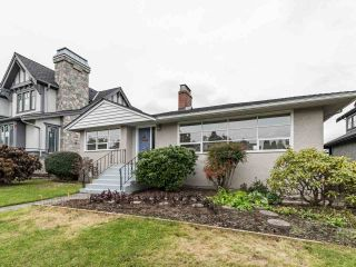 """Photo 3: 4015 W 28TH Avenue in Vancouver: Dunbar House for sale in """"DUNBAR"""" (Vancouver West)  : MLS®# R2571774"""