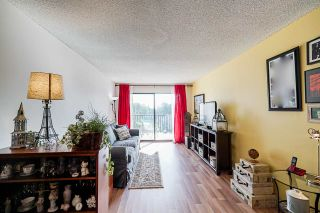 """Photo 11: 302 9952 149 Street in Surrey: Guildford Condo for sale in """"TALL TIMBERS"""" (North Surrey)  : MLS®# R2492246"""