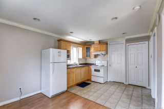 Photo 4: 5938 HARDWICK Street in Burnaby: Central BN 1/2 Duplex for sale (Burnaby North)  : MLS®# R2497096