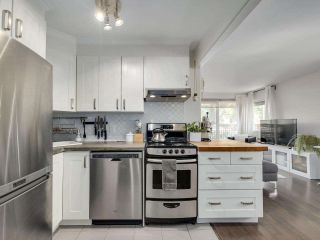"""Photo 11: 4 2223 PRINCE EDWARD Street in Vancouver: Mount Pleasant VE Condo for sale in """"Valko Gardens"""" (Vancouver East)  : MLS®# R2581429"""