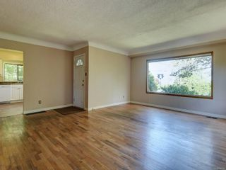 Photo 5: 10328 Resthaven Dr in : Si Sidney North-East House for sale (Sidney)  : MLS®# 882107