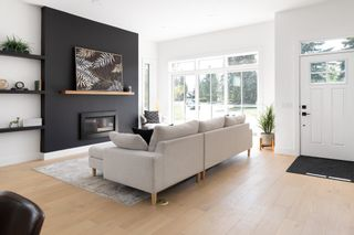 Photo 2: 10625 42 Street NW in Edmonton: Zone 19 House for sale : MLS®# E4251463