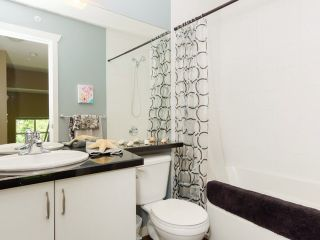 """Photo 12: 9 20120 68 Avenue in Langley: Willoughby Heights Townhouse for sale in """"The Oaks"""" : MLS®# F1443428"""