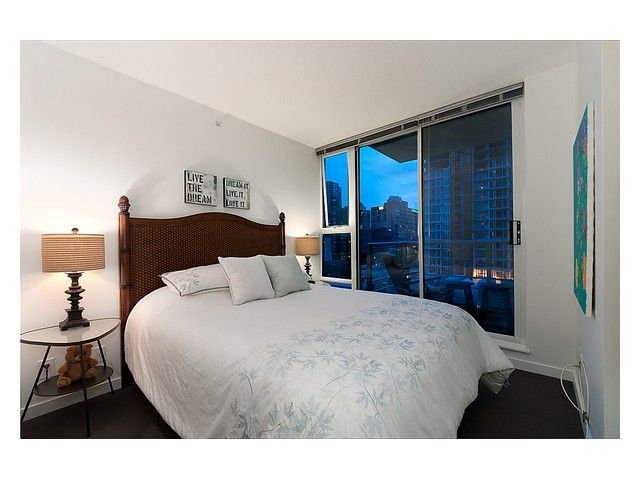 """Photo 4: Photos: # 706 111 W GEORGIA ST in Vancouver: Downtown VW Condo for sale in """"111 WEST GEORGIA"""" (Vancouver West)  : MLS®# V911690"""