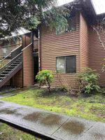 """Main Photo: 1612 10620 150 Street in Surrey: Guildford Townhouse for sale in """"LINCOLN'S GATE"""" (North Surrey)  : MLS®# R2545870"""