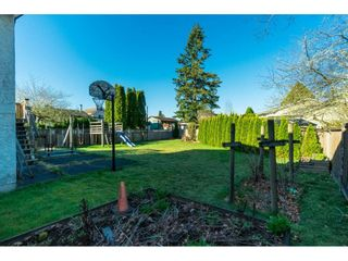 Photo 18: 6081 171A Street in Surrey: Cloverdale BC House for sale (Cloverdale)  : MLS®# R2353242