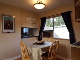 """Photo 5: 3 3031 200 Street in Langley: Brookswood Langley Manufactured Home for sale in """"Cedar Creek Estates"""" : MLS®# R2123592"""