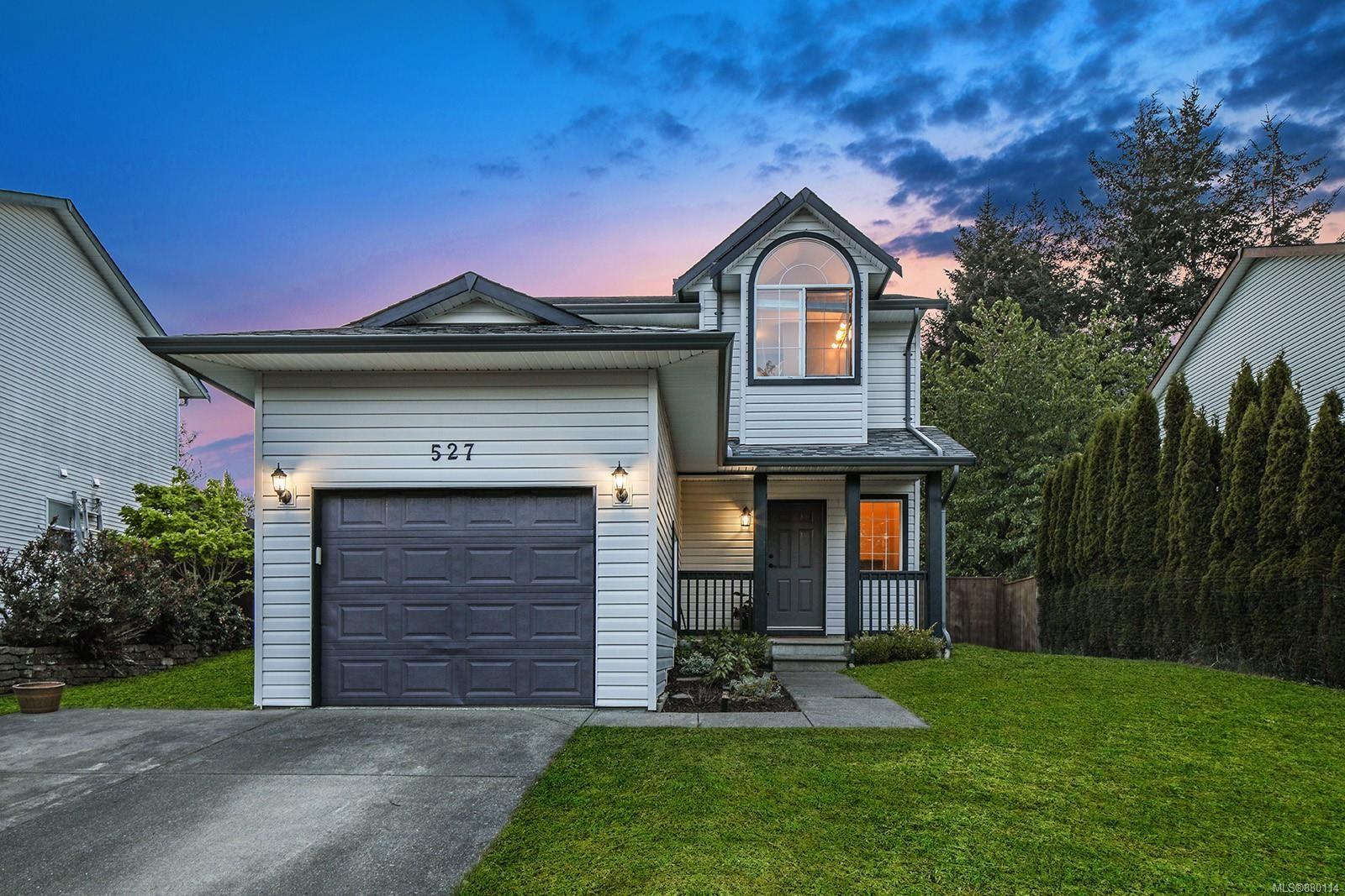 Main Photo: 527 Deerwood Pl in : CV Comox (Town of) House for sale (Comox Valley)  : MLS®# 880114