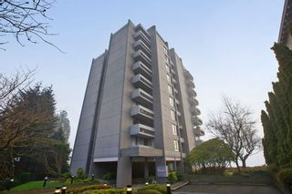 "Photo 1: 601 1930 BELLEVUE Avenue in West Vancouver: Ambleside Condo for sale in ""Seawind"" : MLS®# R2332410"