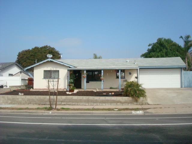 Main Photo: SANTEE House for sale : 3 bedrooms : 9424 Mast Boulevard