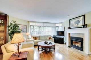 """Photo 6: 104 15111 RUSSELL Avenue: White Rock Condo for sale in """"Pacific Terrace"""" (South Surrey White Rock)  : MLS®# R2545193"""