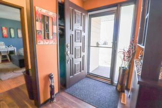 Photo 2: 62 Malden Close in Winnipeg: Maples Residential for sale (4H)  : MLS®# 202106019