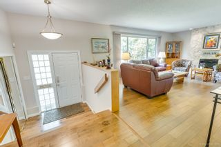 """Photo 7: 3655 LYNNDALE Crescent in Burnaby: Government Road House for sale in """"Government Road Area"""" (Burnaby North)  : MLS®# R2388114"""