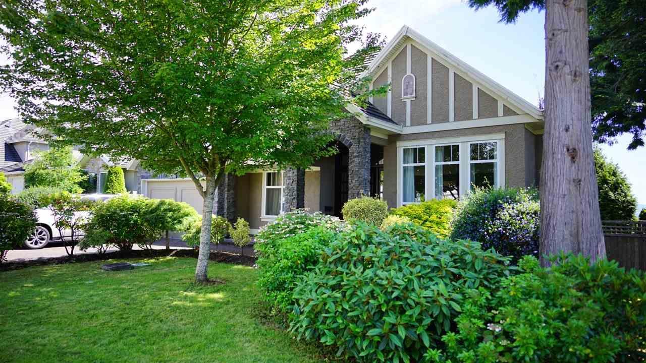 Main Photo: 13546 14 AVENUE in Surrey: Crescent Bch Ocean Pk. House for sale (South Surrey White Rock)  : MLS®# R2472072