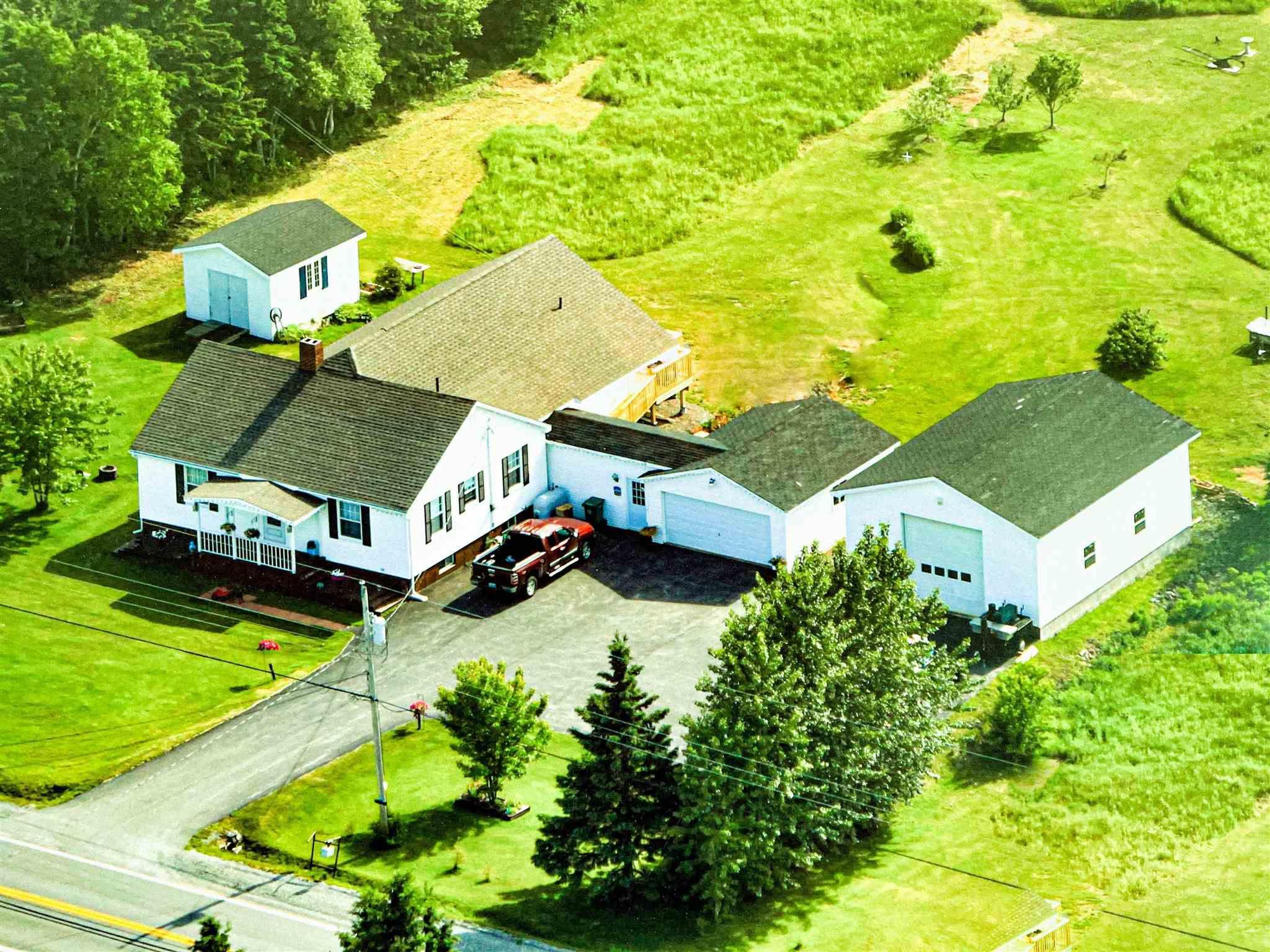 Main Photo: 18413 Highway 2 in Fenwick: 101-Amherst,Brookdale,Warren Residential for sale (Northern Region)  : MLS®# 202111145